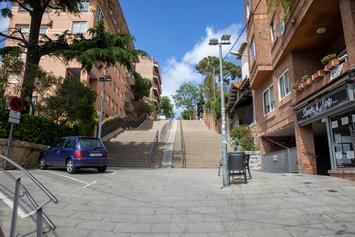 Fem una Vallvidrera més accessible amb escales mecàniques