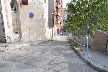 Reduïm el trànsit al carrer de la Mare de Déu del Coll