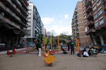 Adaptem els parcs infantils de Gràcia per a tots els infants
