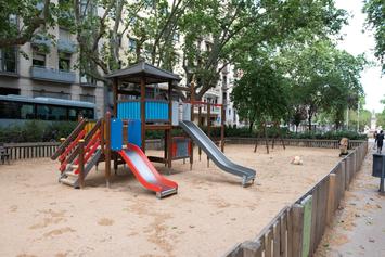 Renovem l'àrea de jocs infantils del passeig de Sant Joan i el mobiliari de l'entorn