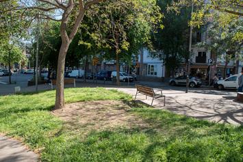 Millorem les voreres de l'avinguda de Rio de Janeiro entre el carrer de Vèlia i el passeig de la Ciutat de Mallorca