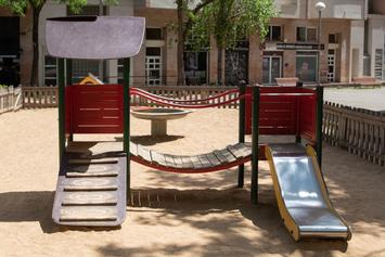 Adaptemos el parque infantil de la plaza del Sot dels Paletes para hacerla inclusiva