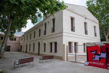 Rehabilitem la nau annexa de Can Ricart per a usos comunitaris